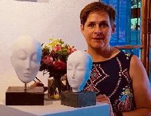 7b954f87f9bae Anne Kuehn-Meier - ihre Bildhauerei ist für sie das Fenster zur Welt. Foto